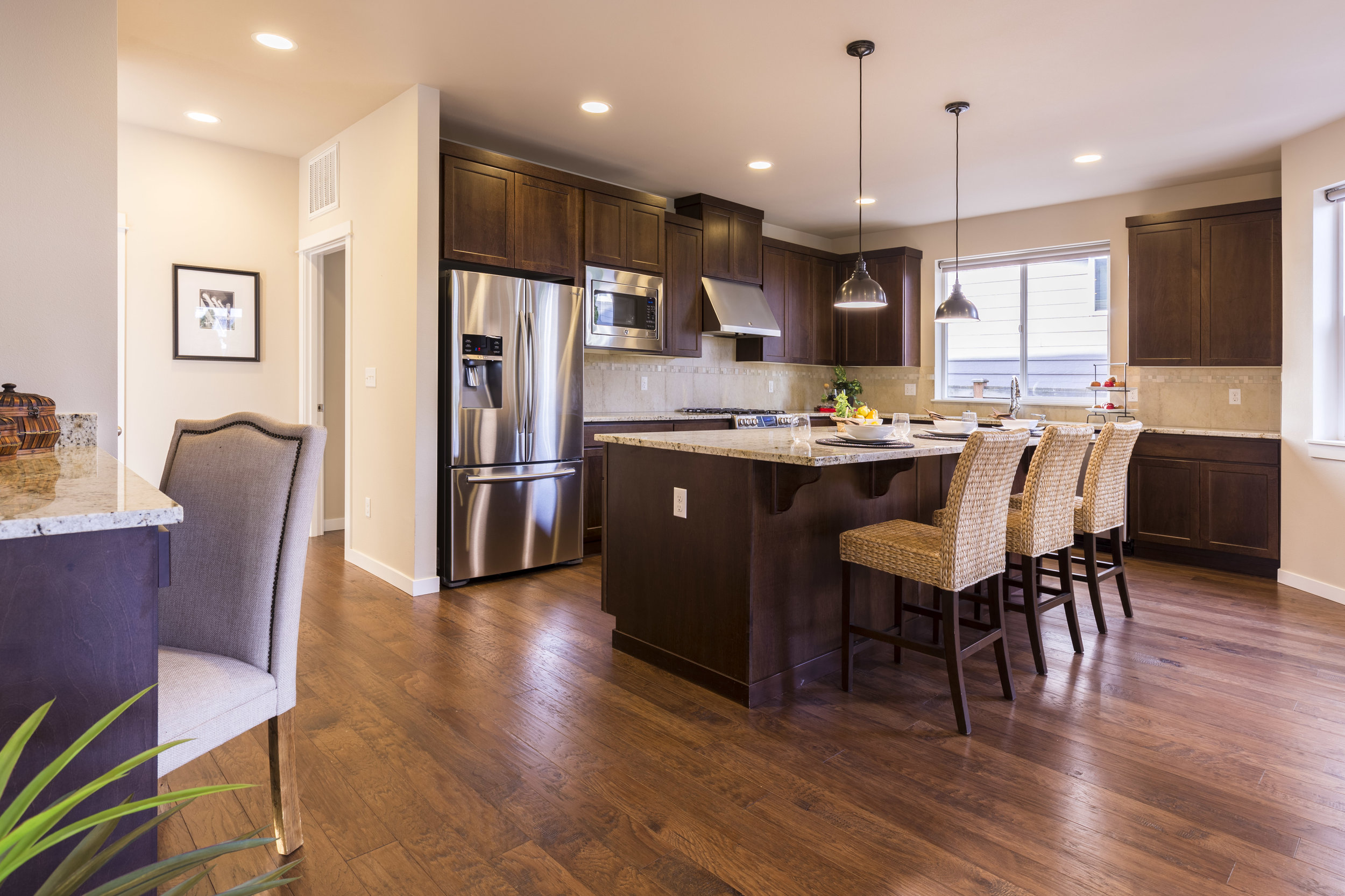 Professional Photography - The highest quality photography is guaranteed when we list your home. We are involved before the photo shoot to prepare the home, work directly with the photographer during the shoot, & are working behind the scenes to ensure the photos are truly exceptional.