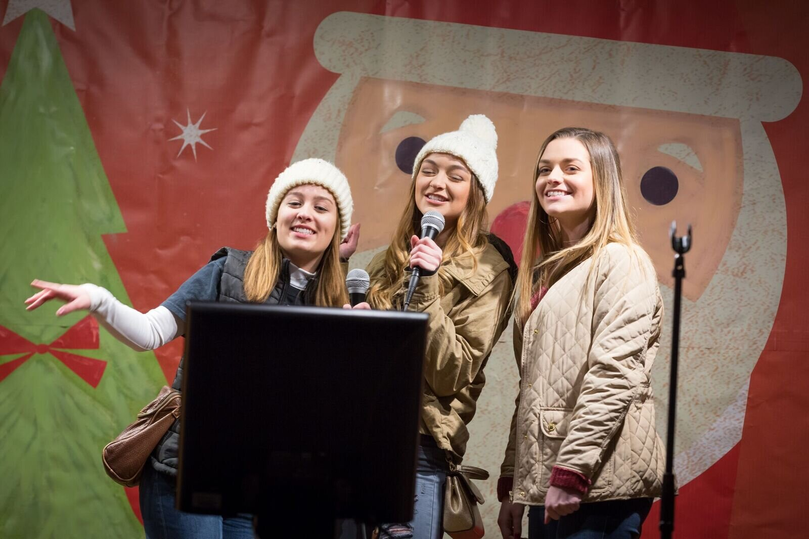 $1,000 Grand Prize Holiday Karaoke 🎤 - Stop by every Monday and Tuesday, November 25 - December 17, from 5:00 – 7:00 p.m. for the return of the Holiday Karaoke Contest! Pittsburgh's best (and worst) amateur crooners will belt out holiday classics, vying to move on to the grand finale on December 23, where the winner goes home with a $1,000 grand prize. There are also nightly prizes and a gift for all participants. Walk-ups accepted as space allows. Sign-ups are coming soon.