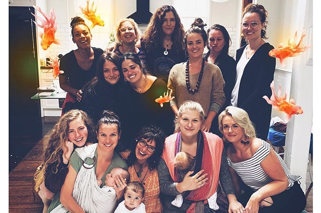 Dynamo Doulas are akin to the most ethereal school of fish - the community and connection, the intimacy of souls in this world...is really the aspect of this work that keeps me going. ALL I WANT is for everyone to be themselves and follow what feels good - THIS is what changes the world. People who are loved to success until they can love themselves in their own success - free of shame or guilt that their passion & purpose also draws a profit. I am so proud of this crew, #melbourne 2019. 🔮 . . . The next Melbourne Training is October 7-11. Will be the next generation of womb Quakers? . . . #doula #dynamodoula #australia #birth #motherhood #parent #baby #smashthepatriarchy