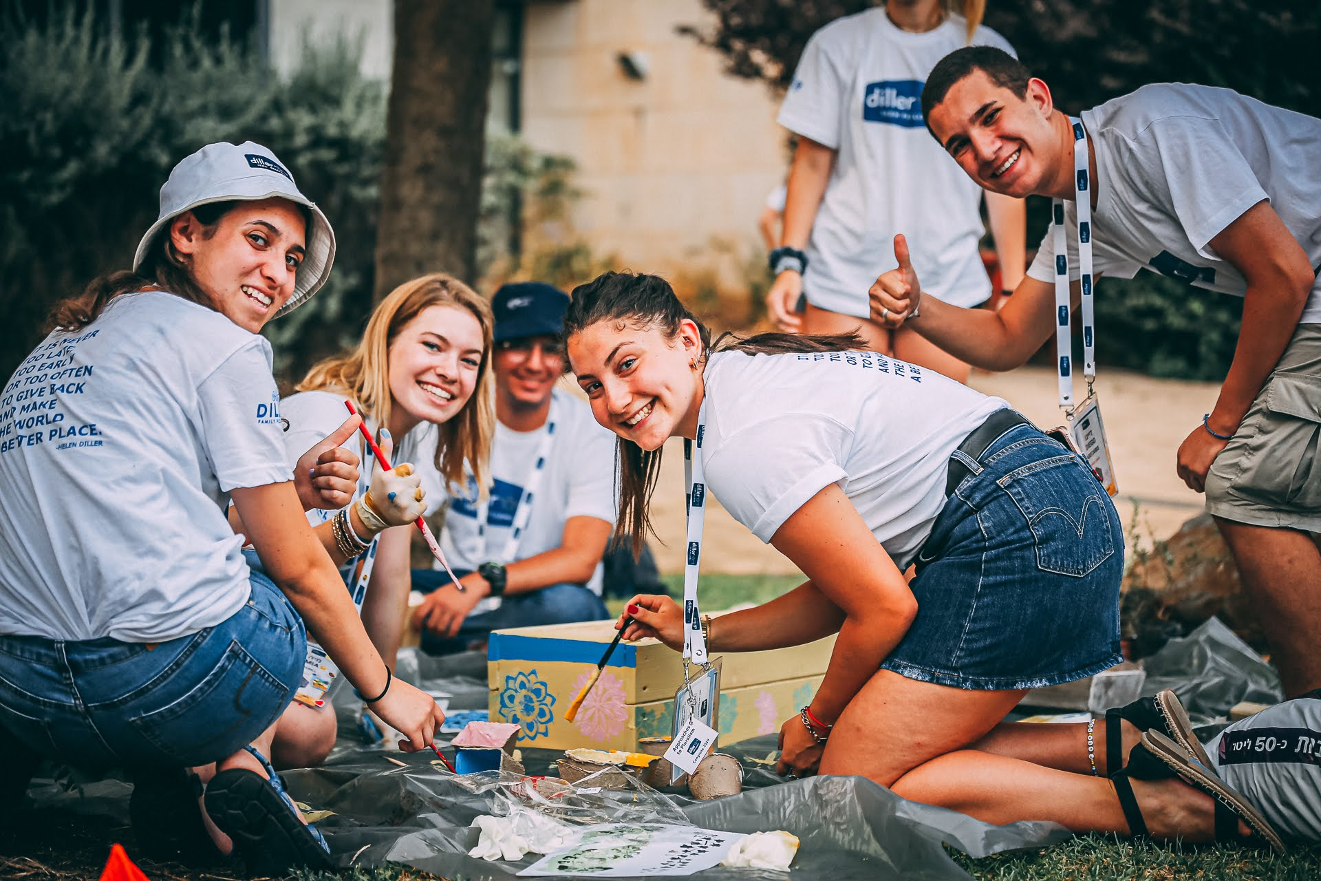 TIKKUN OLAM - Fellows participate in community service projects in Miami throughout the fellowship year and have the opportunity to apply for grant funding to support Impact projects close to their hearts.
