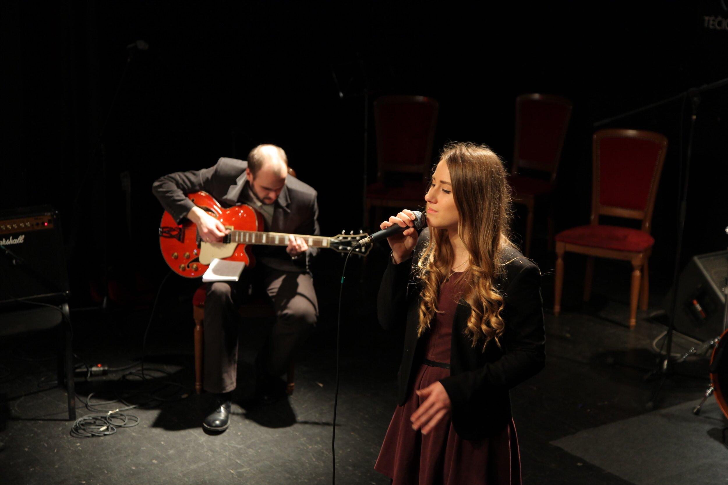 Dalinkis savo pasiekimais - Kiekvieną pusmetį vyksta tradiciniai jaunųjų atlikėjų koncertai.
