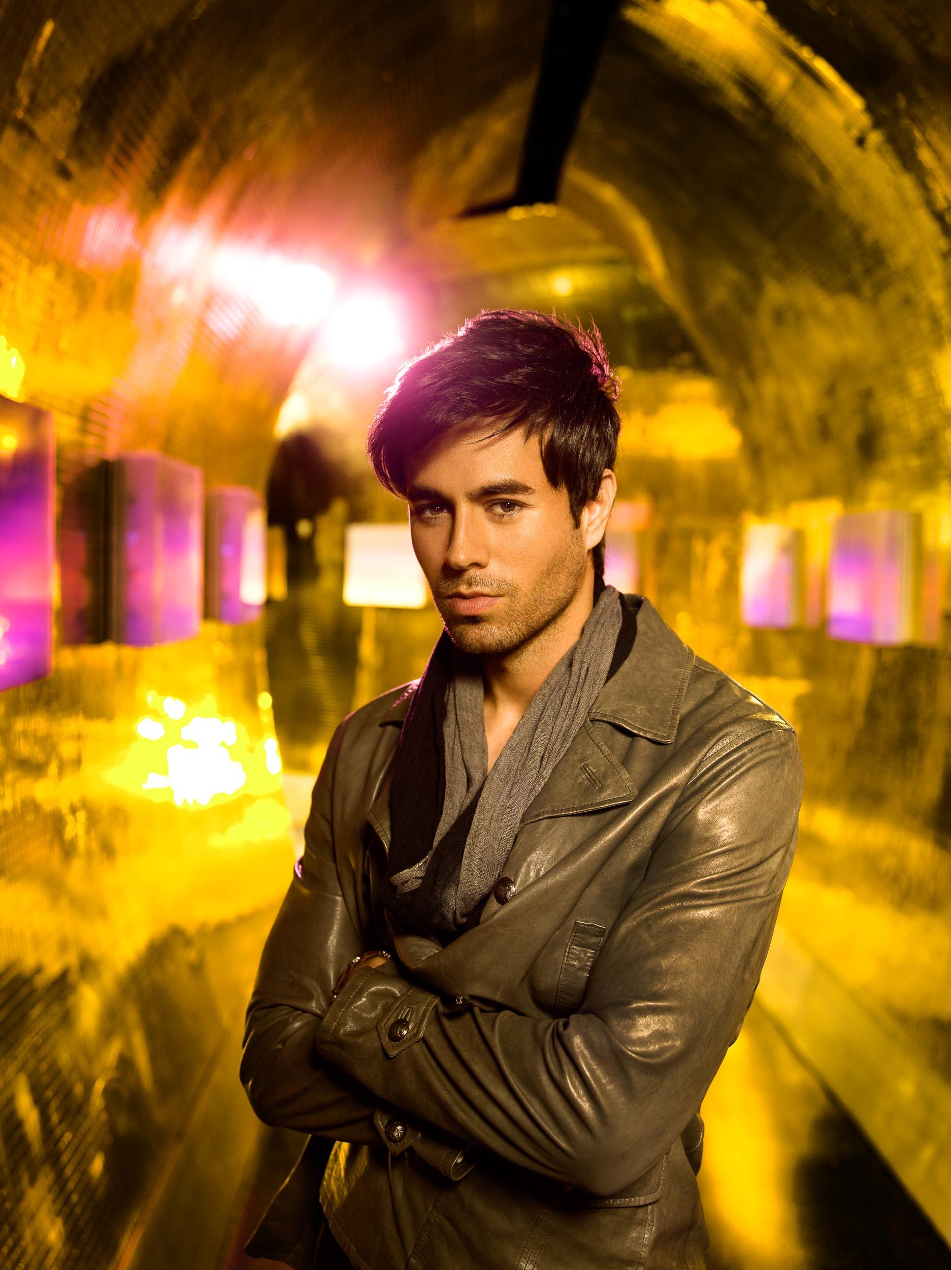Enrique_Iglesias-Chapman_Baehler17.jpg