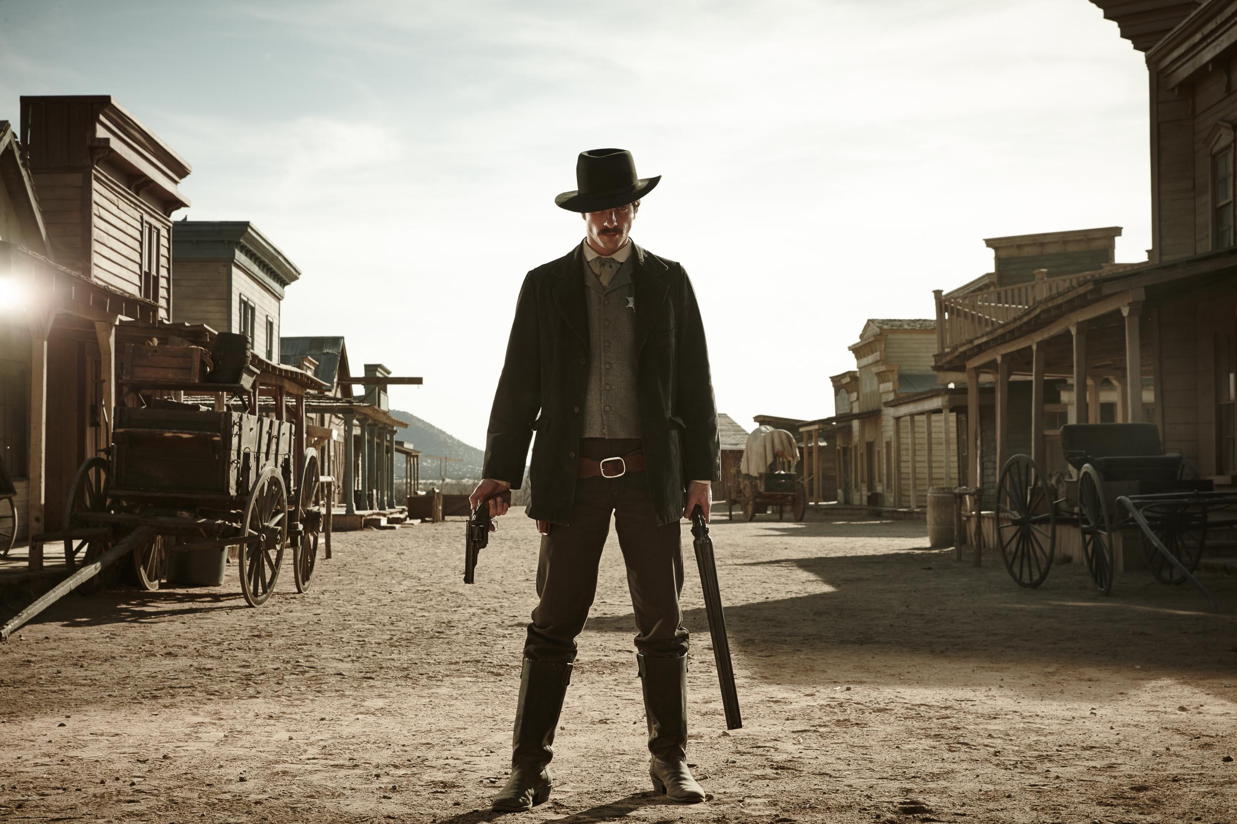 Gunslingers-Chapman_Baehler03.jpg