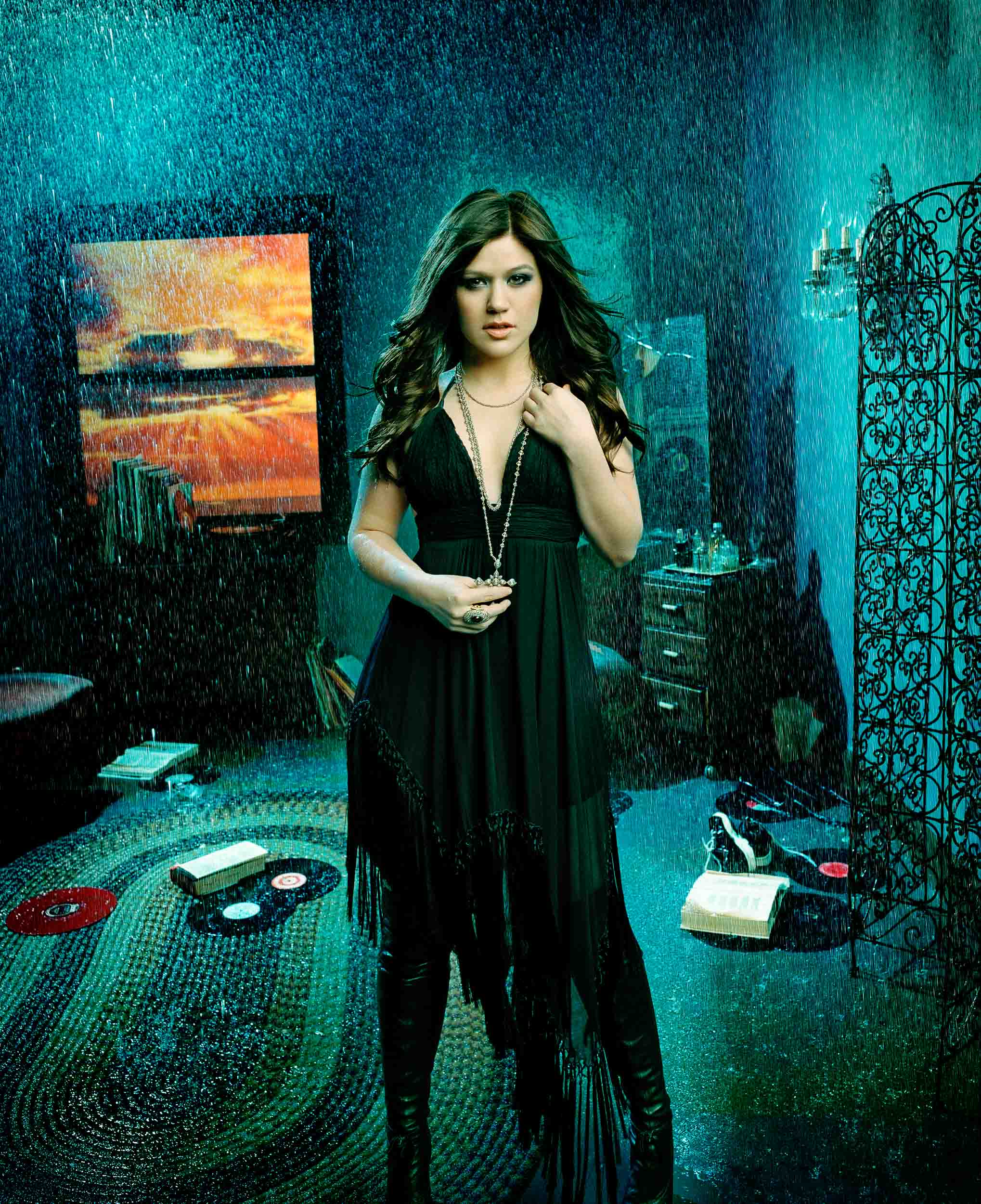 Kelly Clarkson-Chapman_Baehler02.jpg