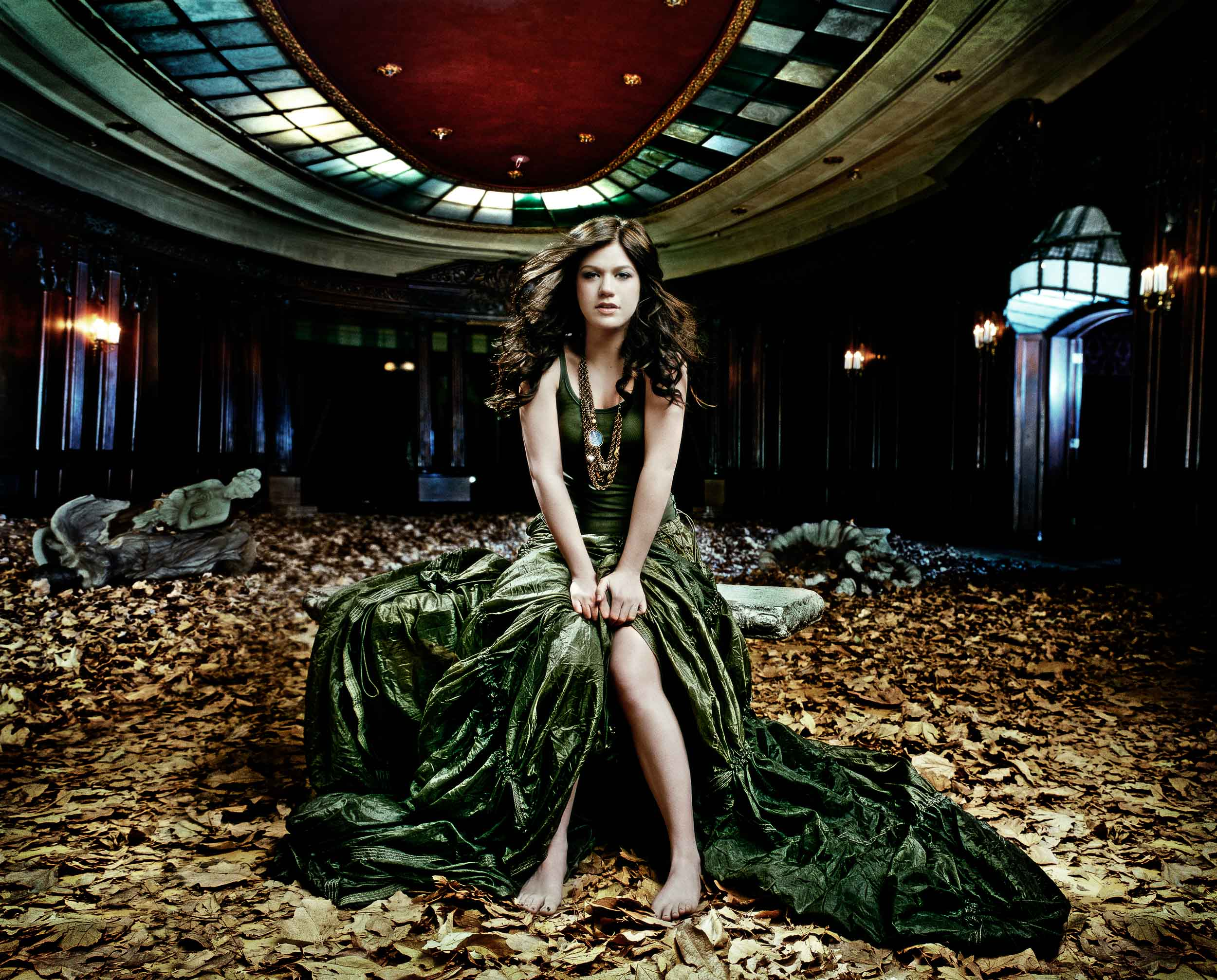 Kelly Clarkson-Chapman_Baehler14.jpg