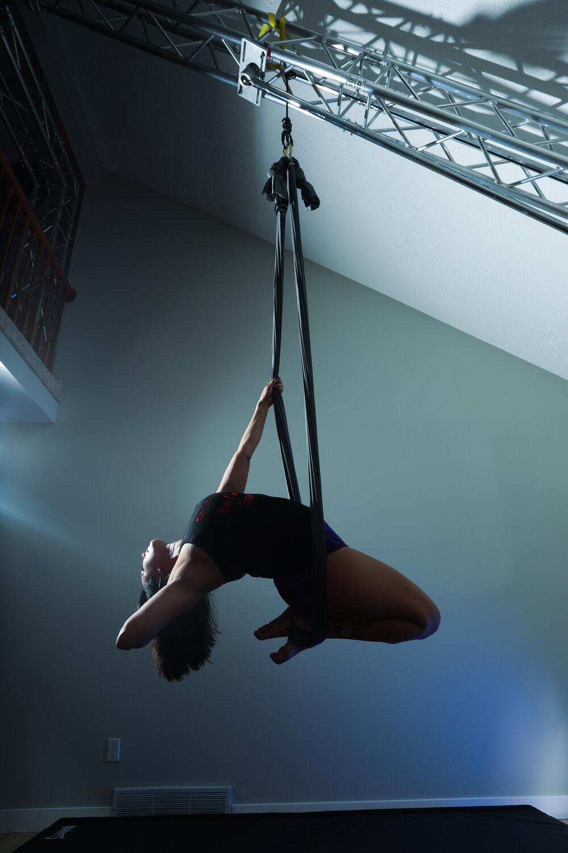 aerial yoga hammock single point)