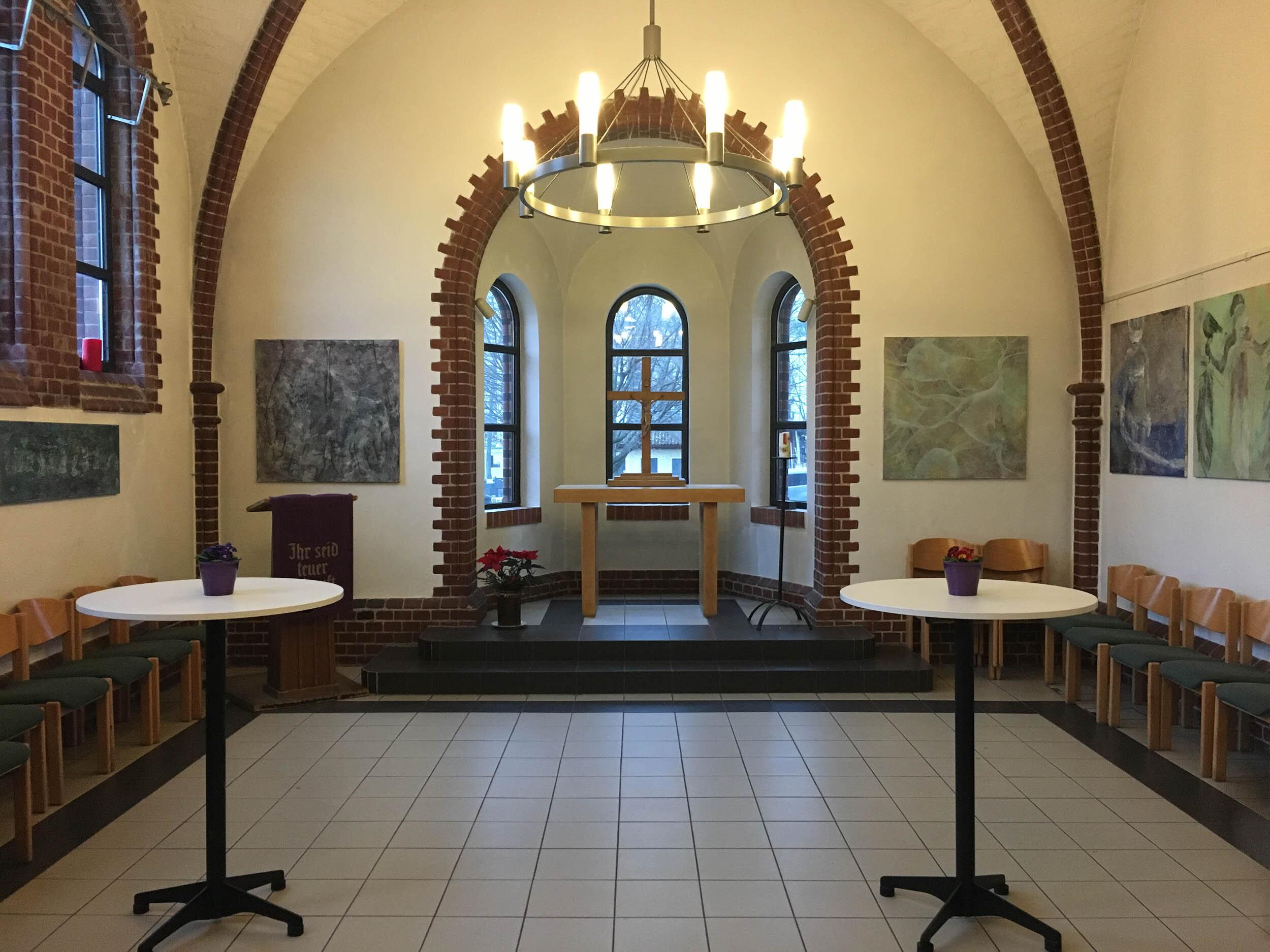 """Auferstehungskirche Berlin - """"Oberflächenspannung""""EinzelausstellungFeb-Jul 2018"""