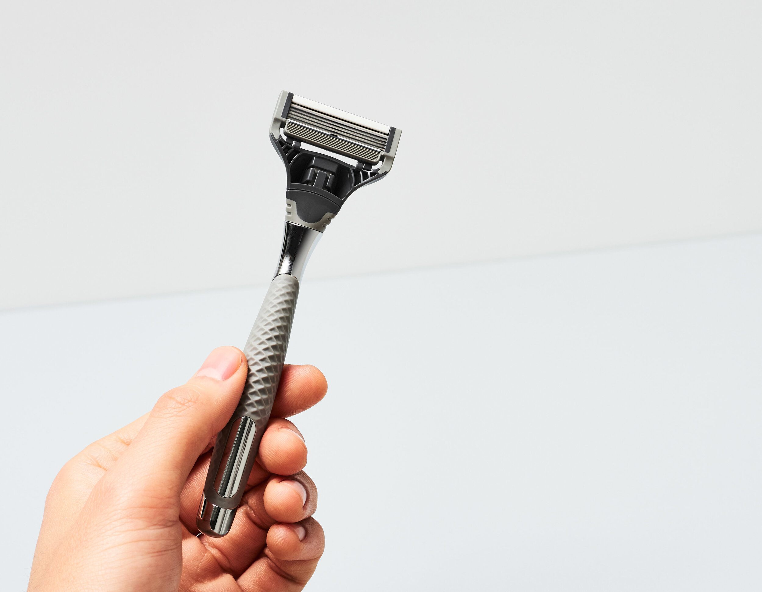 The confluence of function and aesthetics. - The Winston razor handle features a data-driven texture profile that both embodies and further defines Harry's brand position as an innovator in the men's shaving market.Harry's, Inc.Services Provided:Product Design & DevelopmentSoftware Development