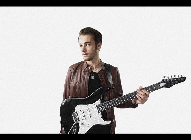 My favorite guitar right here. Keep on the lookout for some regular posts coming up! #guitaristsofinstagram #guitarporn #kieselguitars #guitarwood
