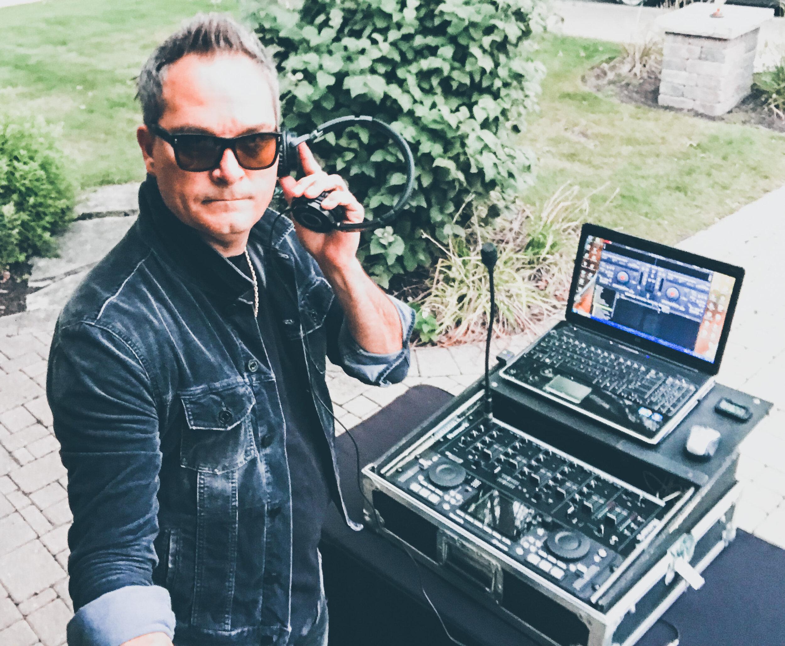 Todd Arcari DJ MC 2019 - Pic 4.jpg