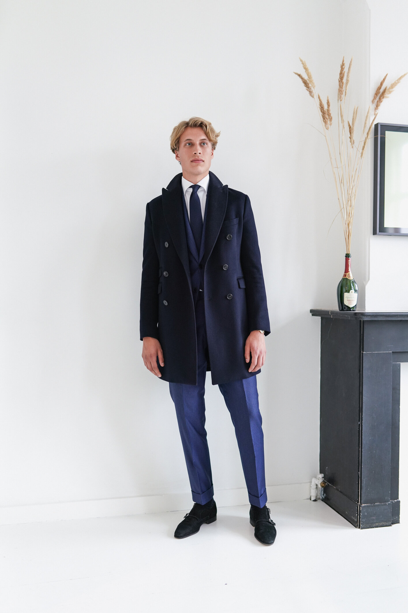 Overcoats - Crafted from The Gift of Kings® wool layer fabric, Loro Piana's exclusive selection of the finest wool in the world. Treated with Rain System® for a water-repellent finish. Styled with a straight cut, perfect for city dressing with both casual and formal outfits.Prices start at €399,-