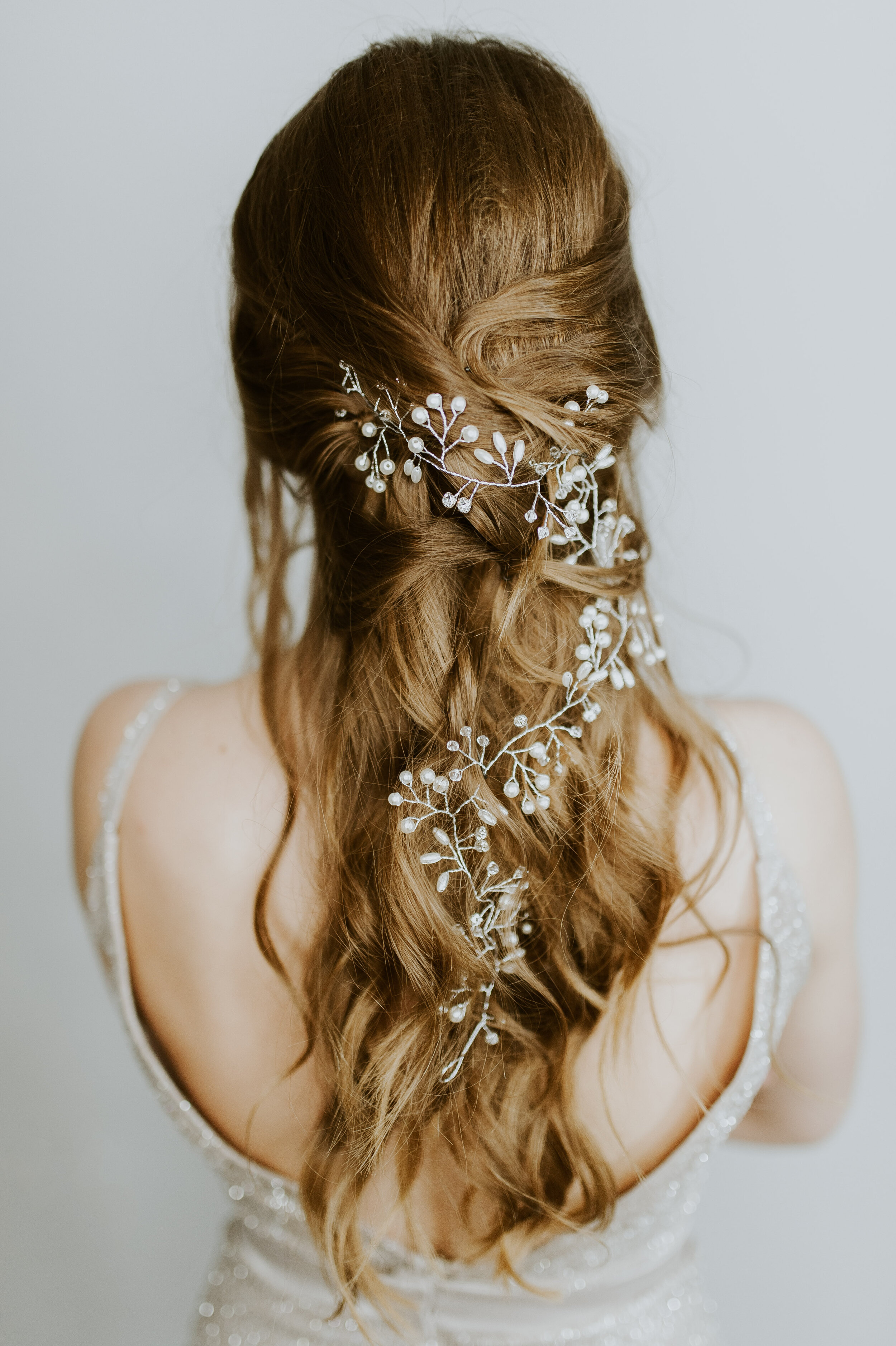Special Events and Weddings - The big moments in life are when you have to look and feel your very best. Our salon is always creating incredible ways to make you stand out. Our services include up-dos, braids or anything you have in mind. We suggest you bring in a picture of the look you are after.Live Blow Dry is your one-stop for any event. Make-up services start at $25 and we would love to customize a look for you!