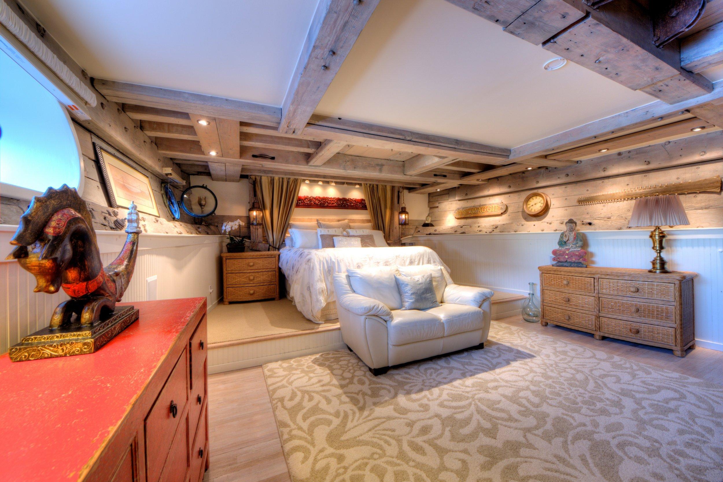 maggie-master-bedroom.jpg