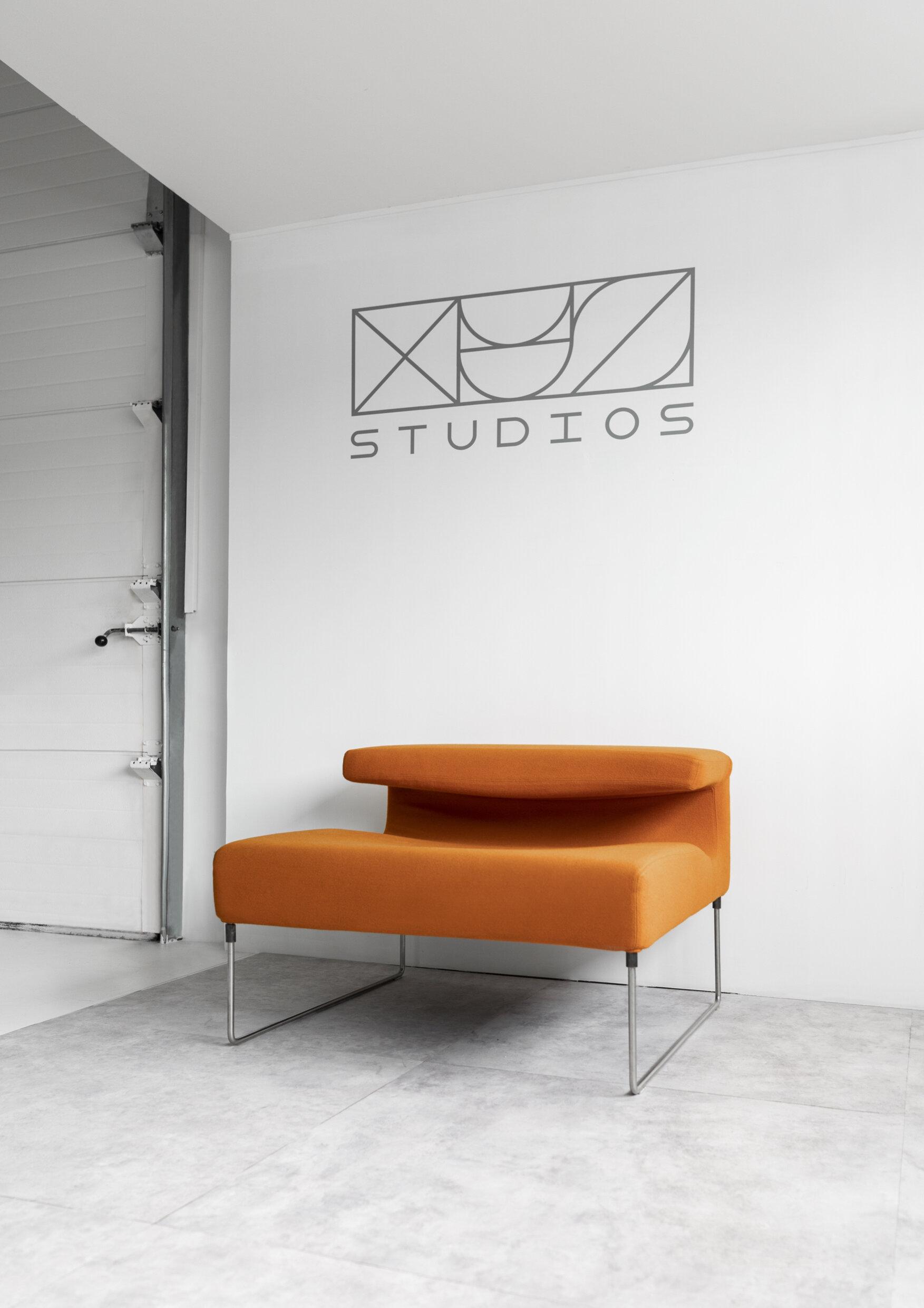 Design Bank Oranje.Fotostudio Huren Amsterdam Rent Photo Studio Amsterdam