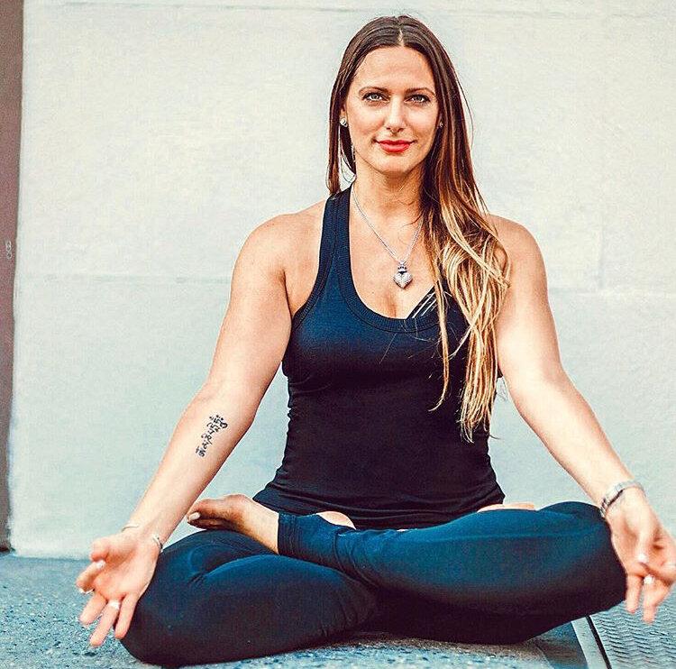 Thai Yoga Stretch Massage. Massage Made Better.