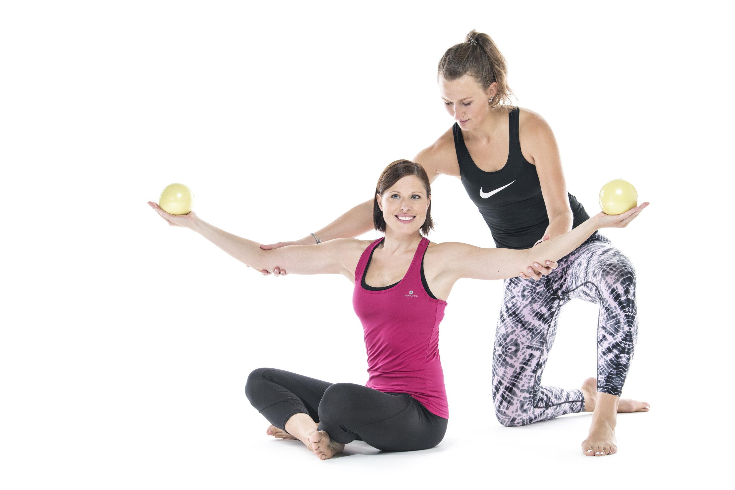 Solo - Prilagojena vadba pilatesa z inštruktorjem pri vas doma.Več informacij >