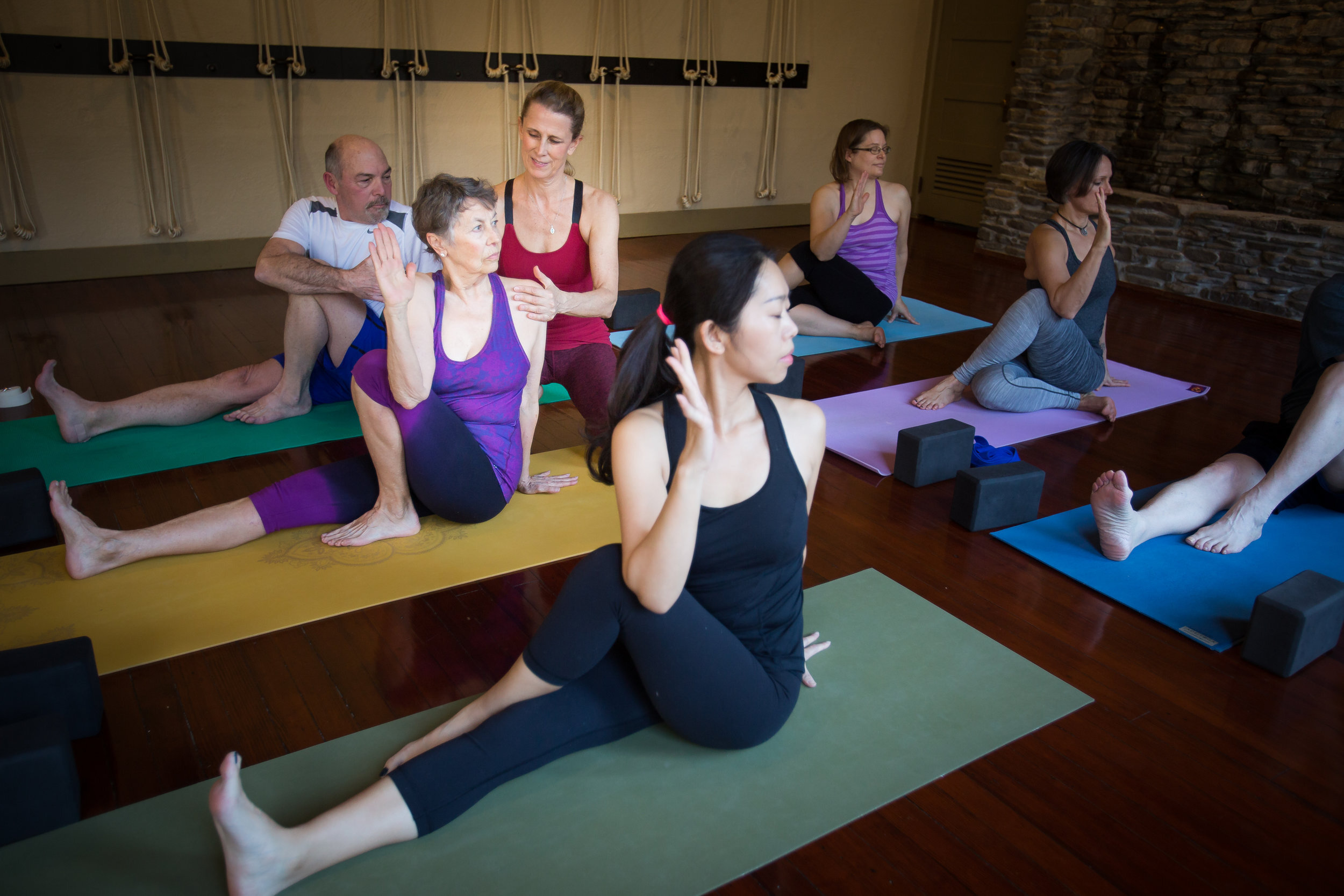 The Difference Between Teaching And Leading A Yoga Class Karin Eisen Yoga New Hope Pa