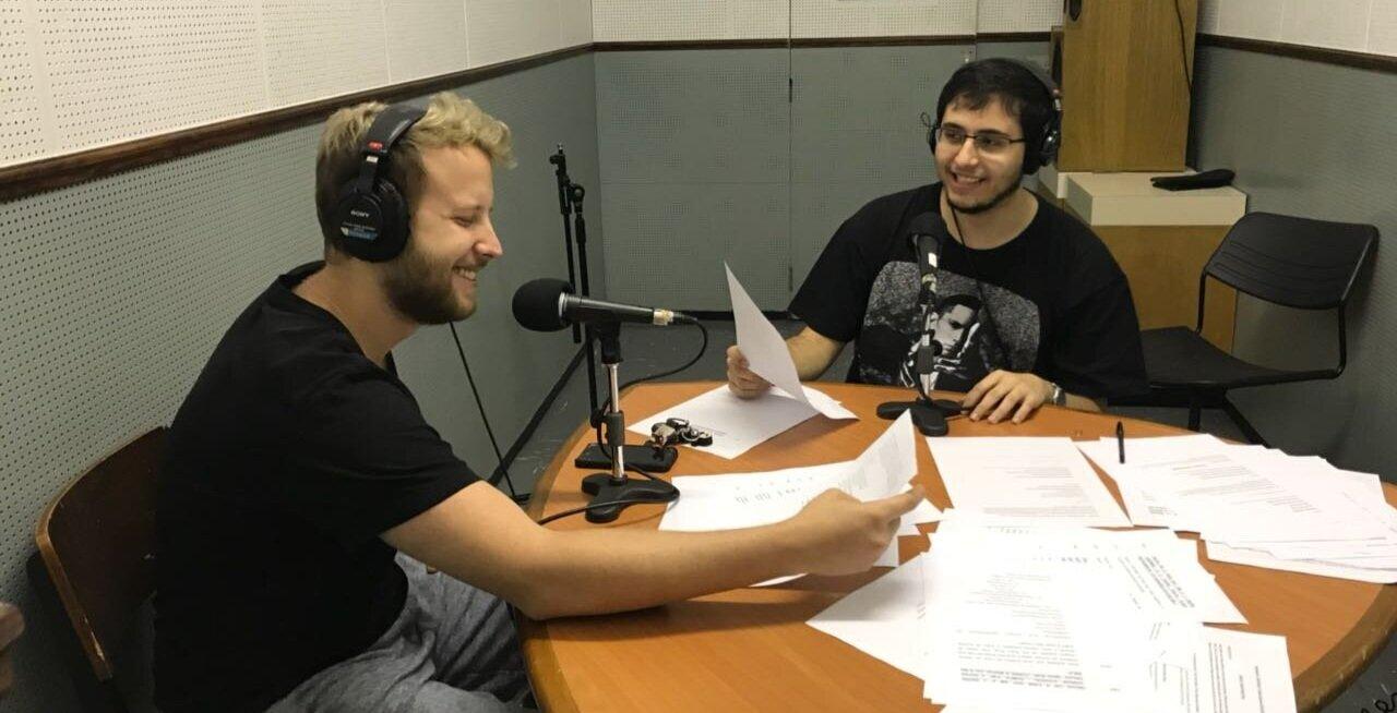 Apresentado por: - Lucas Pinho e Rodolpho Capelas