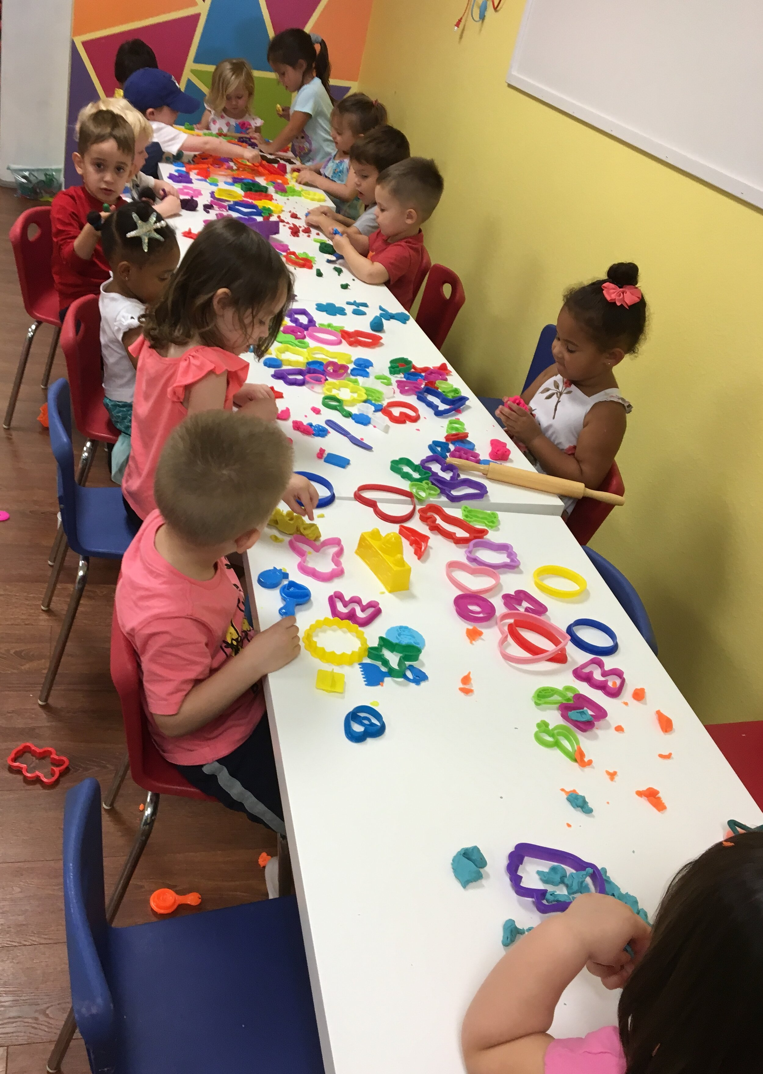 Lil' Explorers - Lil' Explorers is a drop off class, for ages 2-4, that requires a weekly commitment. This class will introduce preschoolers to basic preschool skills, socialization & structured activities. Free Open Play access included with enrollment. Please call for availability. This class meets on Wednesday's from 9:45-11:30. The cost is $15 per week, paid monthly.