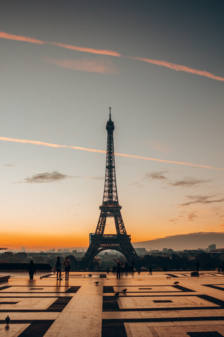 Early in the morning in Trodacéro, Paris. The sun was about to rise and everything looked so beautiful.
