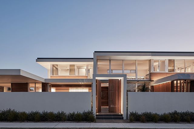 Casuarina NSW beach house. Lighting design by Illumination Design Australia.  Our new website is at Www.idalight.com.au #idalight #modernarchitecture #tweedcoast #lighting #lightingdesign #coastalhomes