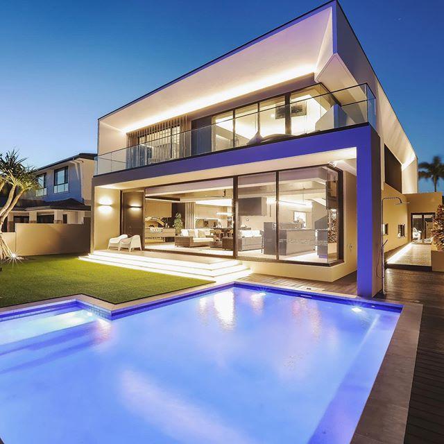 Www.idalight.com.au  High end residential project by IDA.  #idalight #lightingdesigner #modernarchitecture #highend #light #goldcoast #northernrivers #canalhomes