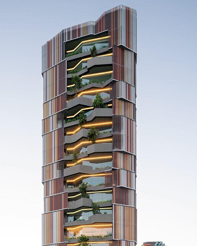 A Perfectly captured photo of the IDA project - Walan Apartments in Brisbane. #idalight #lightingdesigners #lighting #dandc #construction #apartments #lightingspecification www.idalight.com.au