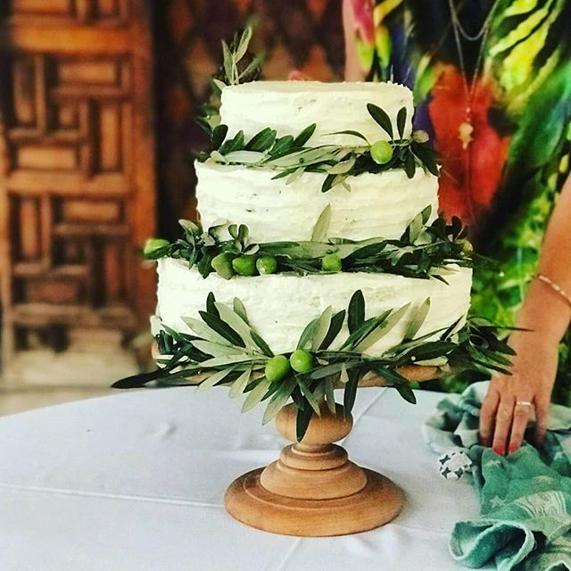#weddingcake #cakedesign #cakedesigner #cakeart #cakeartist #cakeinspiration #cakestagram #cakecakecake #carrotcake #cakesofinstagram #desertwedding #campadounia #livelife @marrakechpartycakes