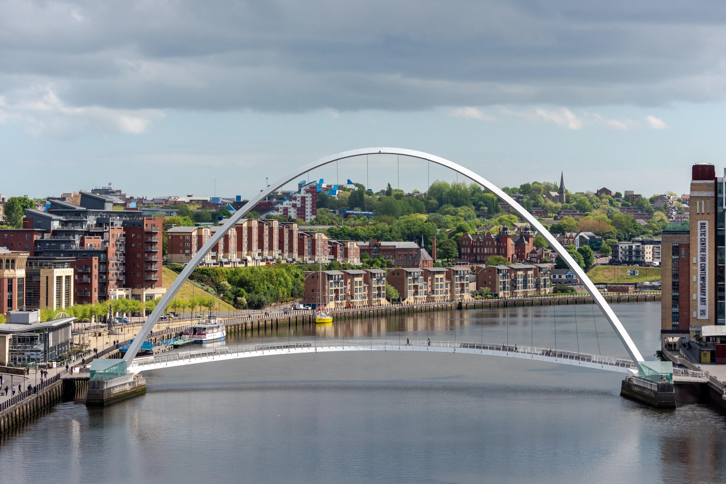 Millenium Bridge Gateshead-1.jpg