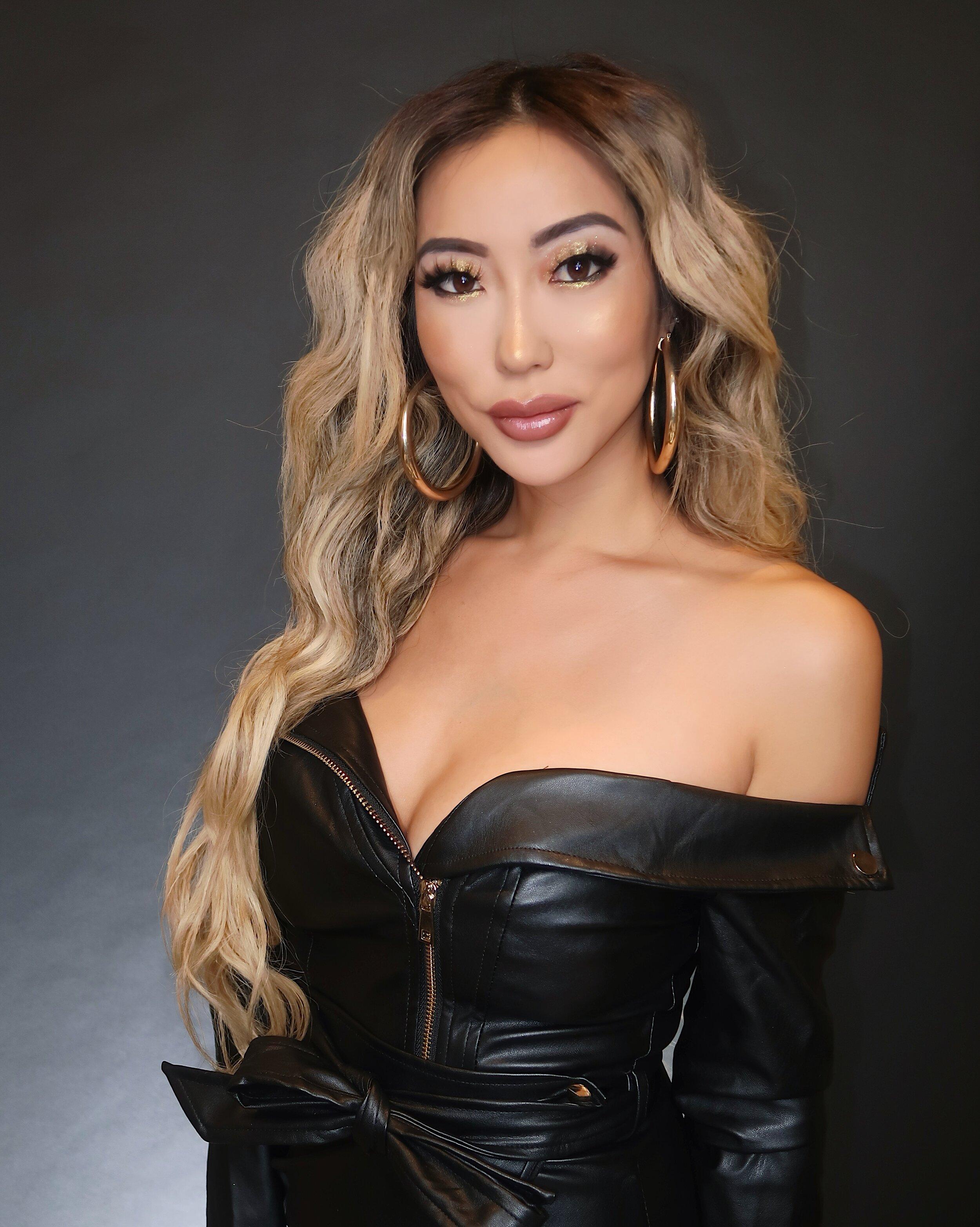 pop star makeup 2.JPG