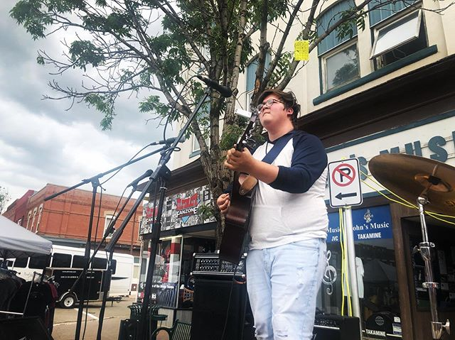 Here in Moose Jaw for Moose Jaw Sidewalk Days! 🎶