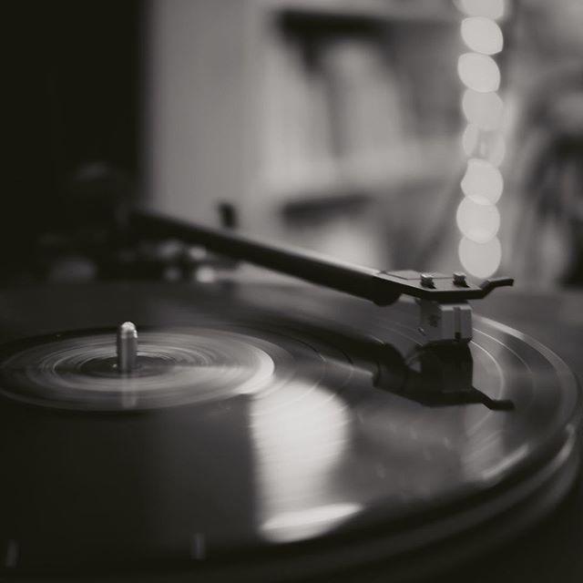 J'aime comparer mes #mix avec d'excellentes références 🌟🥳🌟 - - - #ingenieurduson #studio #mixage