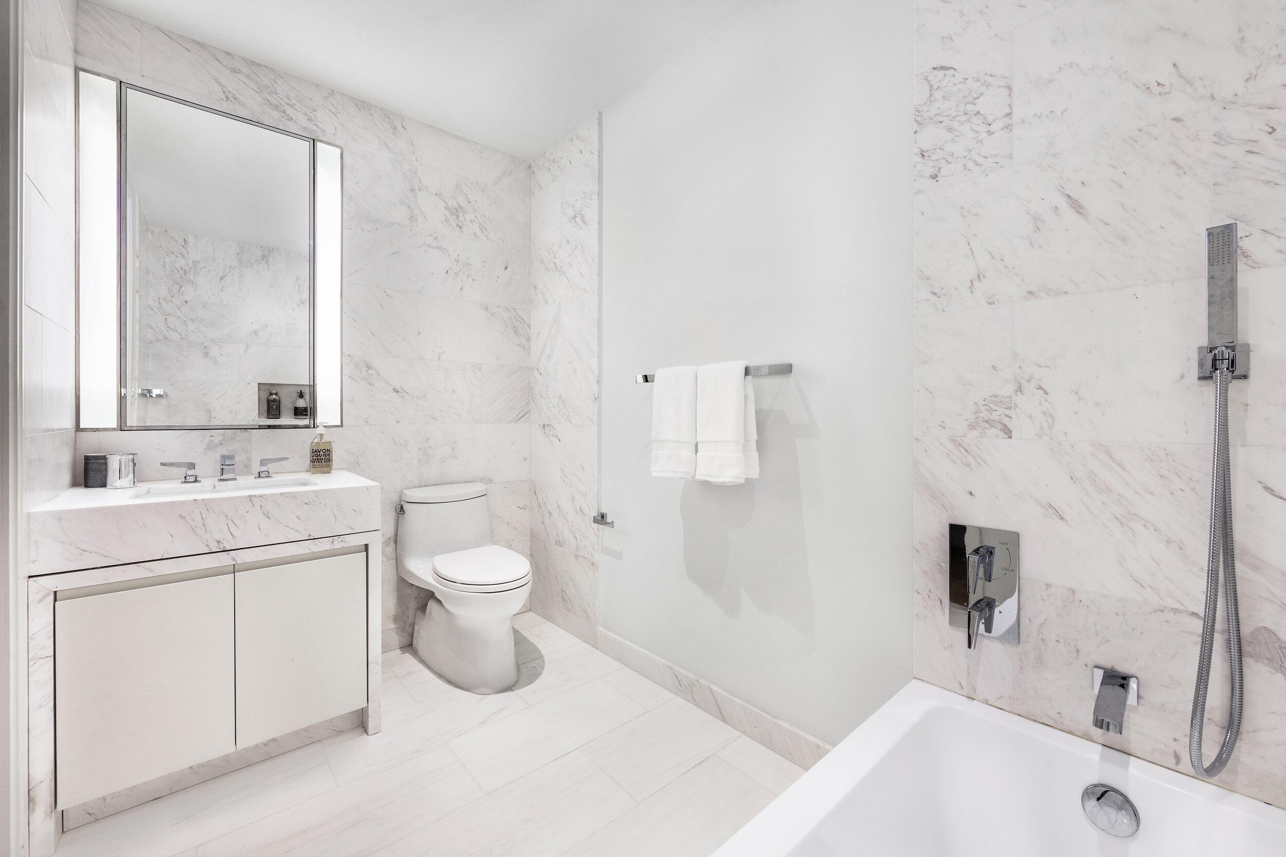6A bathroom 2 - High res.jpg
