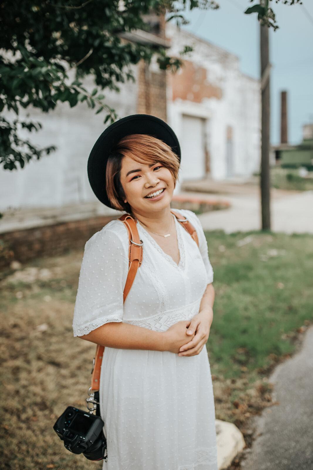 Lyn Laswell - Wedding & Portrait Photographer