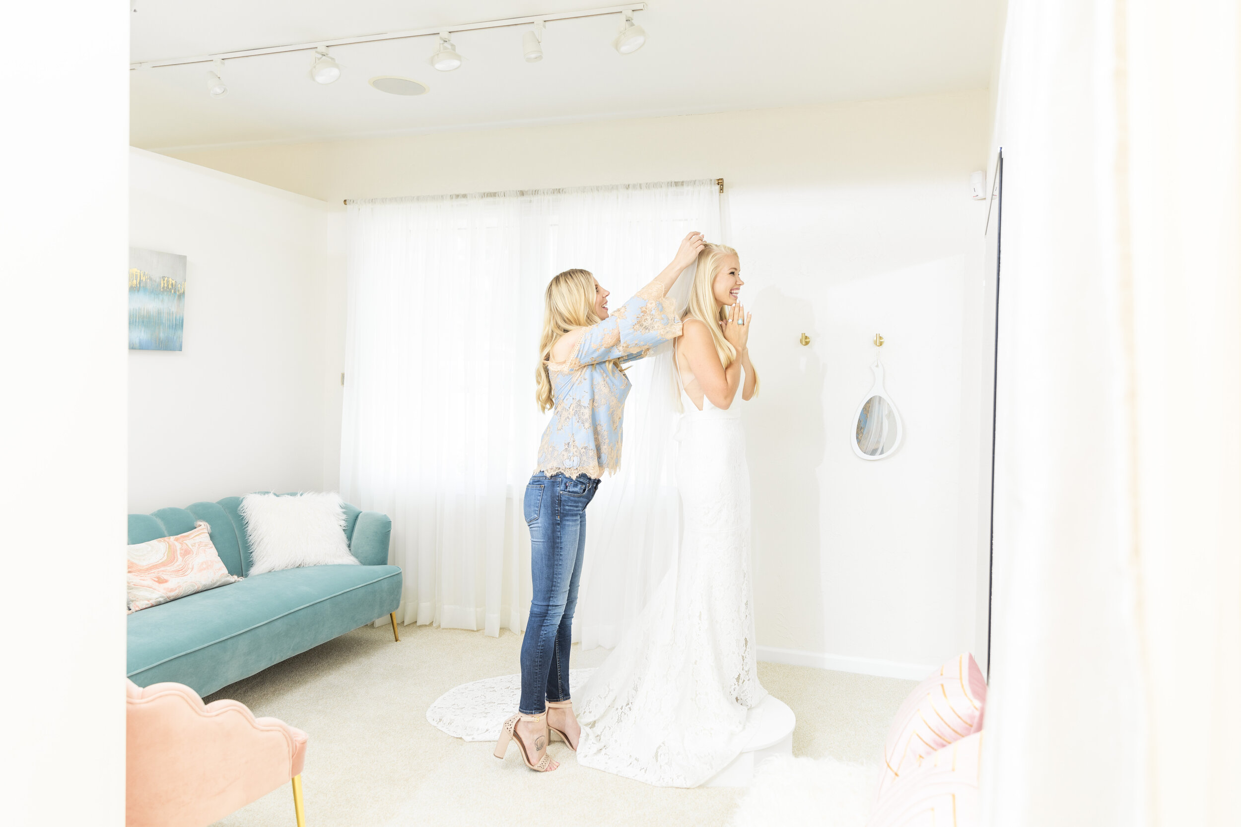 wedding outfit hacks a unique veil can change the whole look show your personality through accessories wear uncommon shoes wedding jewelry unique wedding how too's tips and tricks for the unique bride enhance wedding outfit bridal hacks provo utah #tipstomakeyourgownunique #howtostyleyourweddingdress #jewelry #belts #earrings #unique #bridetipsandtricks #bracelets #necklaces #provoutah #claritylane