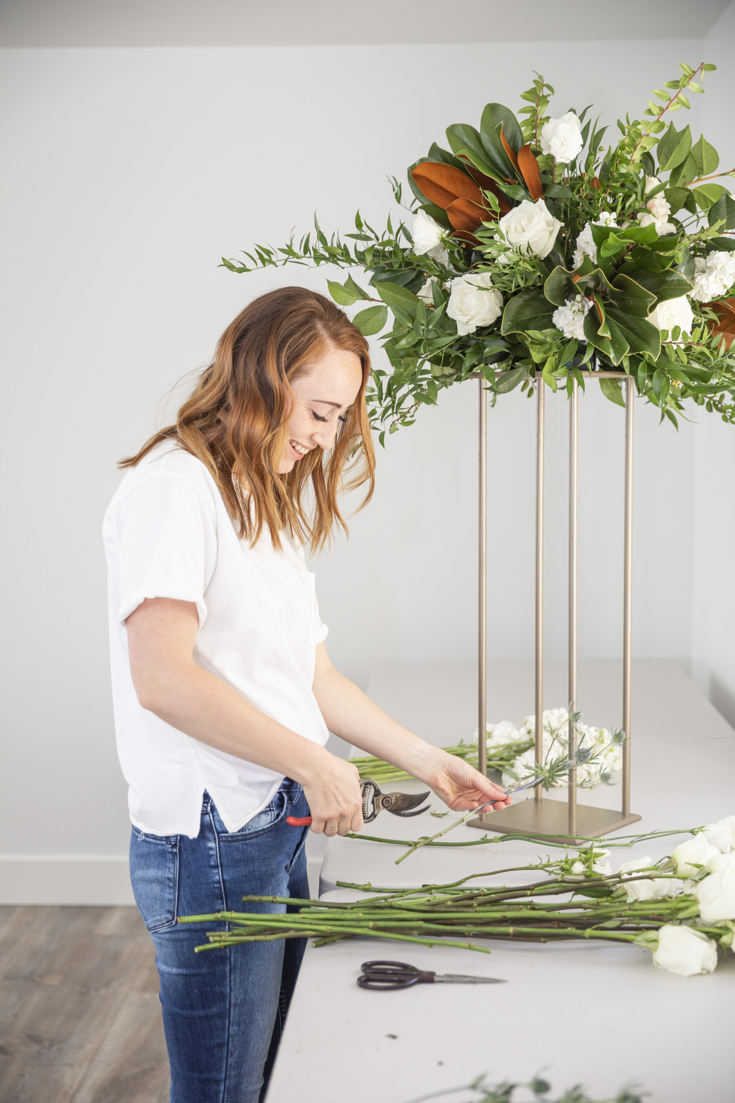 professional florists tips reach out to your florist three to four months before your wedding do some research on your own before meeting with your florist to have a more productive consultation have a general idea of what you would like and need sarah from blushing rose floral #floristtips #tipsandtricks #vendorspotlight #blushingrosefloral #florist #utahcounty #wedding #inspiration #help #flowers