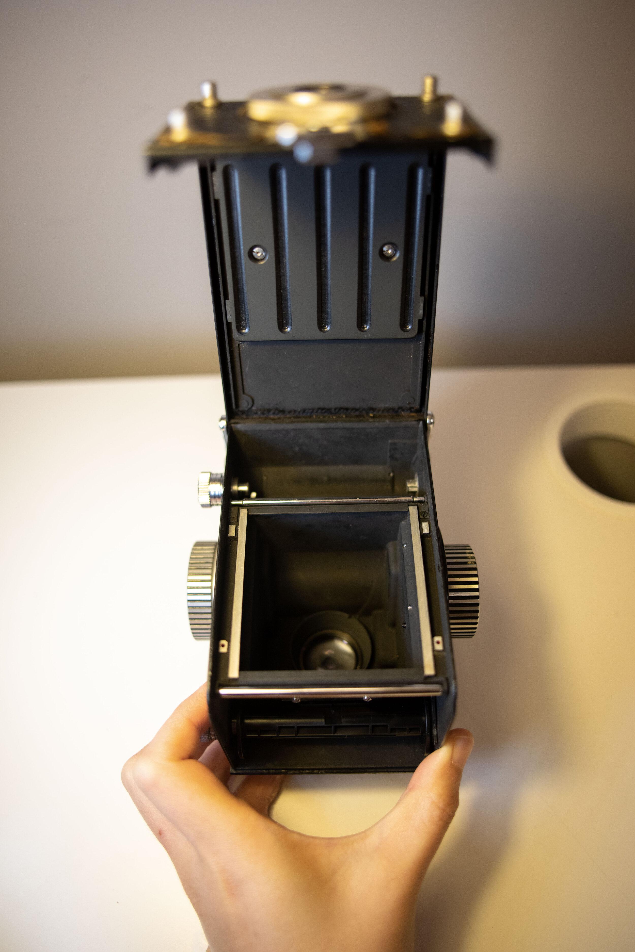 tlr film camera interior