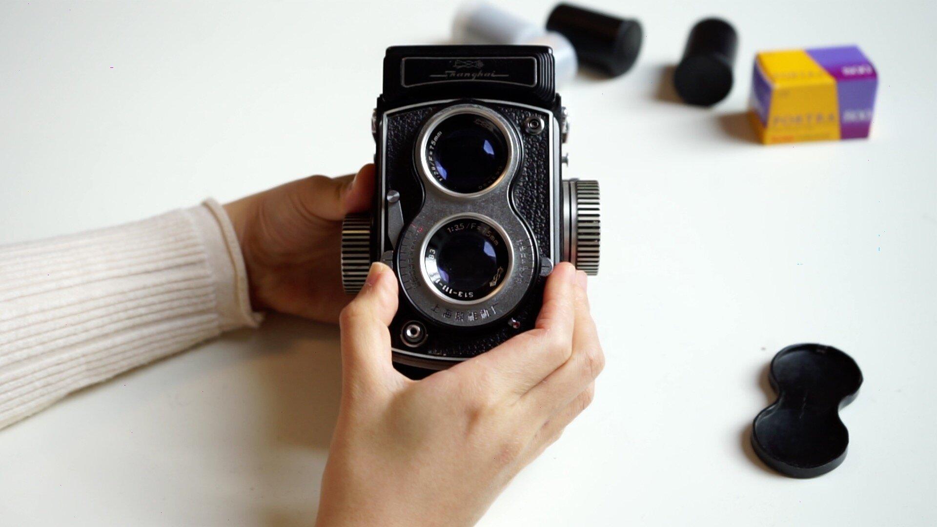 shutter aperture TLR camera
