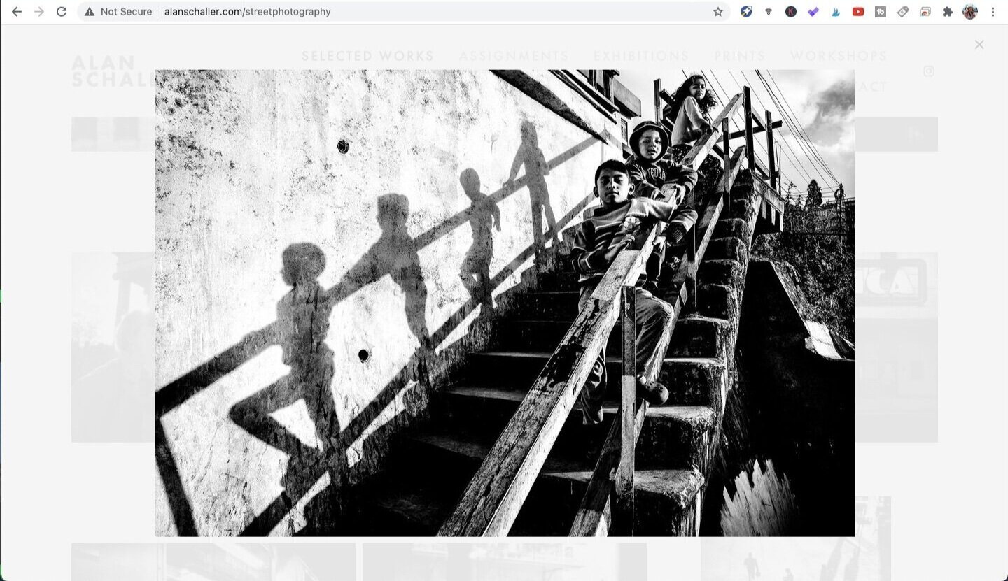 Photo by Alan Schaller, from the series Street Photography. Screen captured from Alanschaller.com.