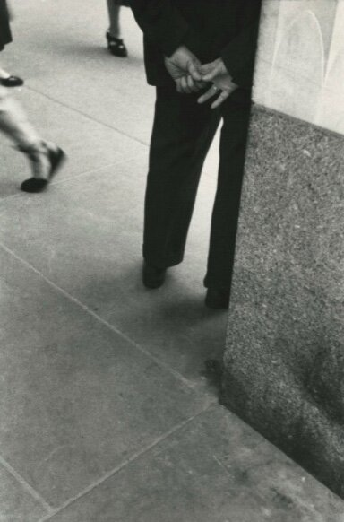 Photo by Saul Leiter, titled 'Hands', (1954).