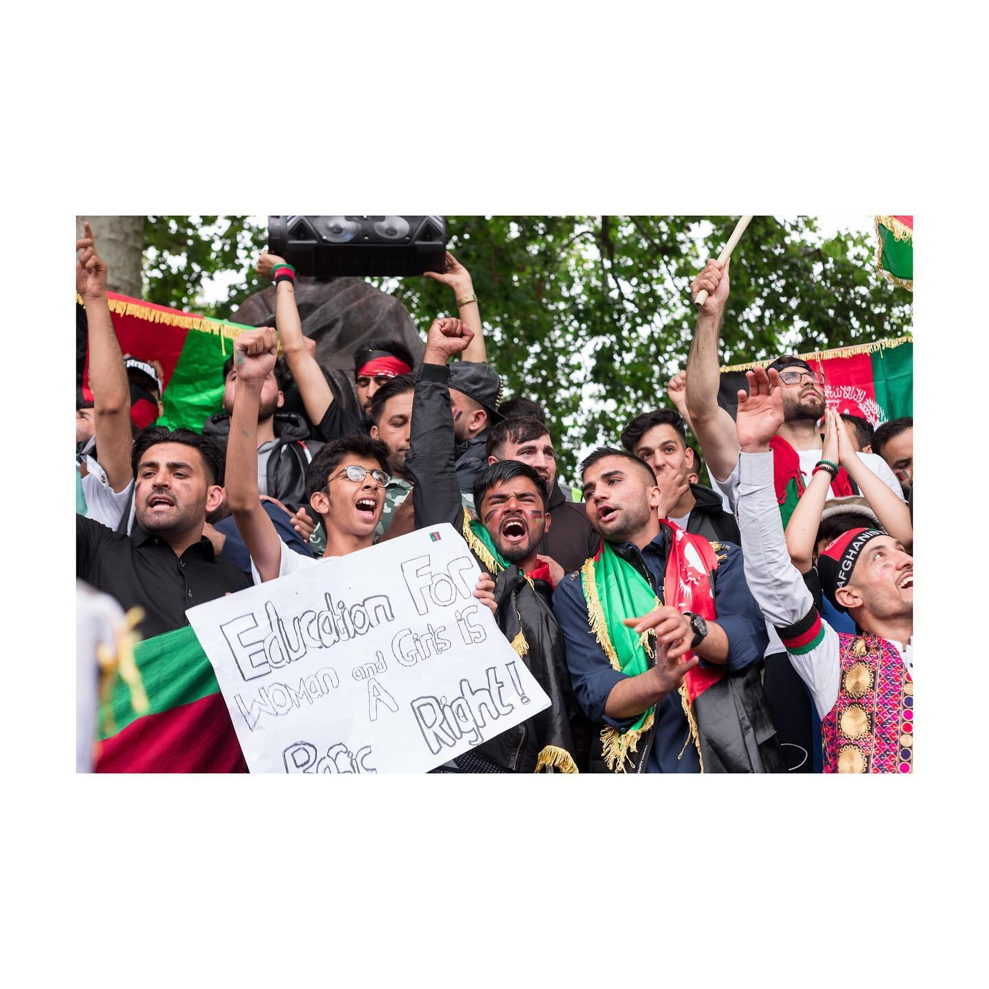 Photojournalism on @unilad @thenewarab   August 2021 - The Afghan diaspora in London, led by @thewatanldn , rallied in solidarity against Taliban control of the nation, and to demand urgent action on the part of the UK government.  #londonphotographer #londonphotography #londonphotojournalist #ukphotogtapher #ukphotojournalist #photojournalist #photojournalism #documentaryphotography #documentaryphotographer #documentingbritain #womenstreetphotographers #londoncameraproject #womenphotograph