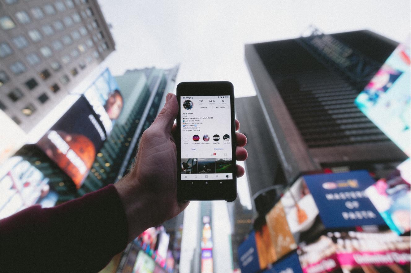 Marketing & Social Media -