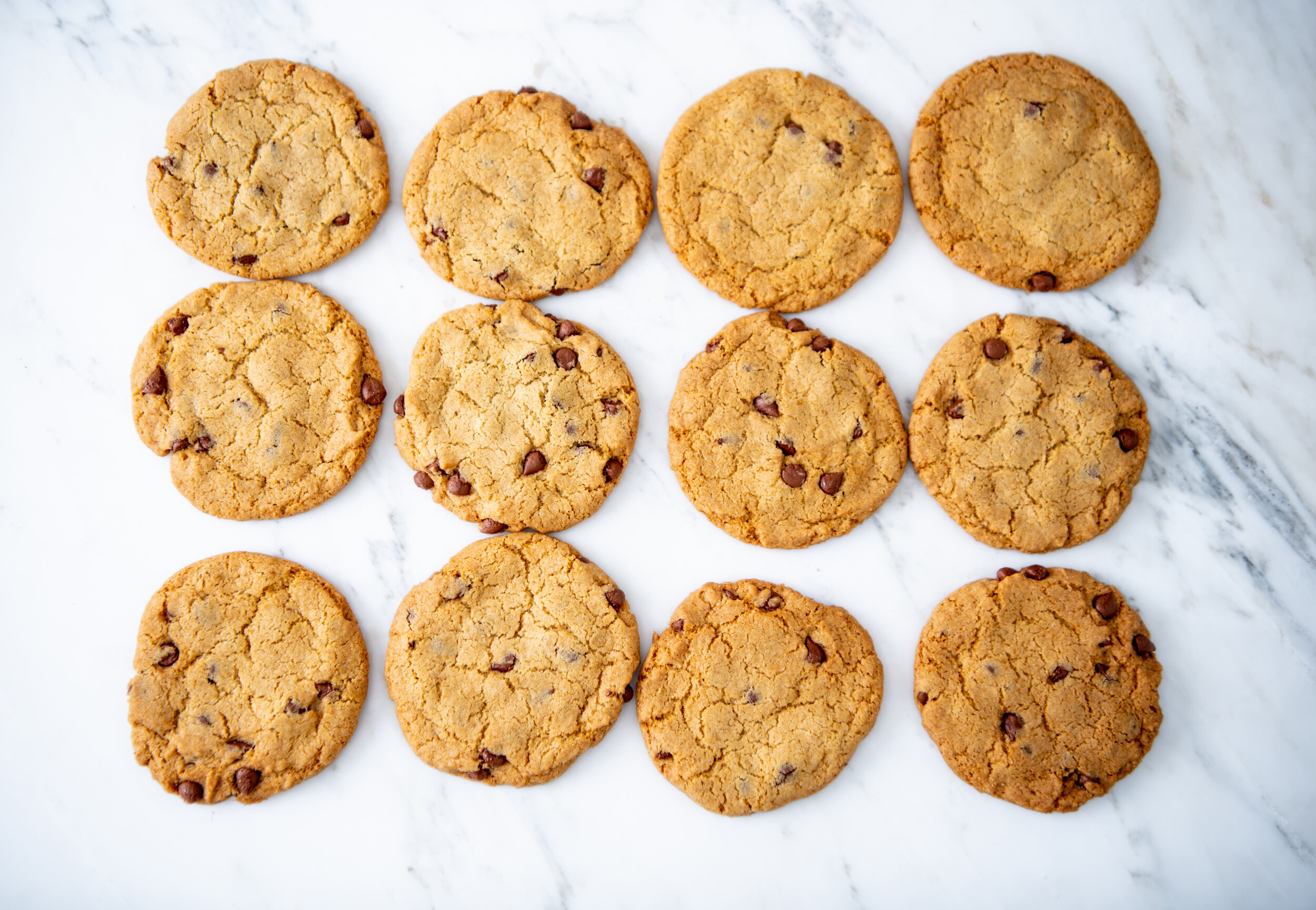 LOV Bakery Organic Vegan Chocolate Chip Cookies