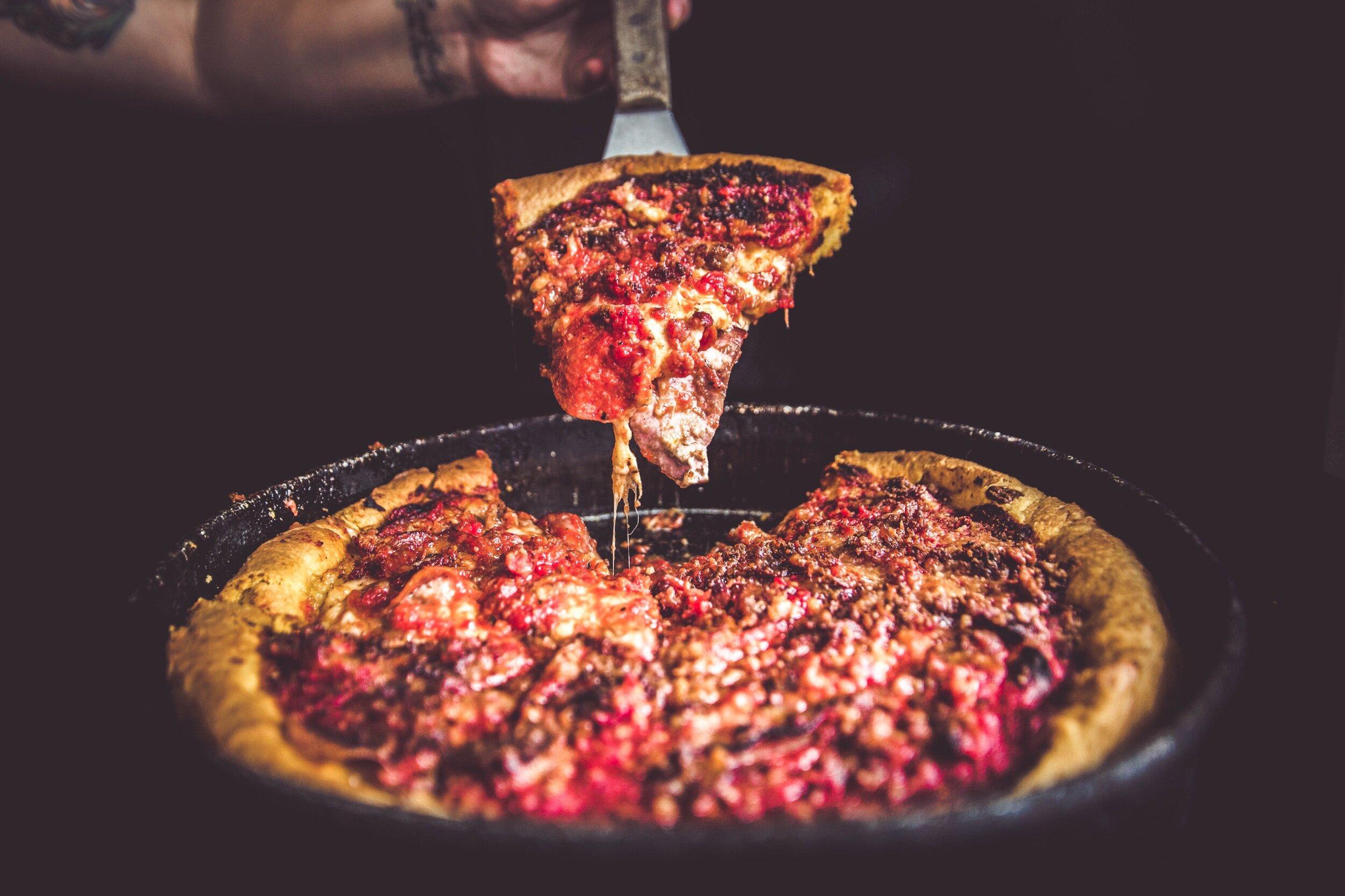 wheaton pizza, restaurants downtown wheaton il, catering wheaton il, pizza near me, best pizza near me