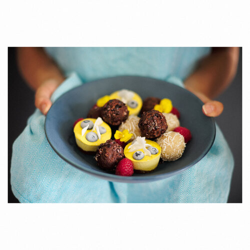 Cakes Hands_AJP6114 IG.jpg