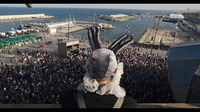 Filipe aka the Stroke Bunny at Primavera Sound, overlooking the crowds. Primavera was a positive turning point in Filipe's recovery-through-music. . . . . . #documentary #campaign #strokeawareness #strokeawarenessmonth #primavera #primaverasound #strokesurvivor #mentalhealthawareness @filipefale