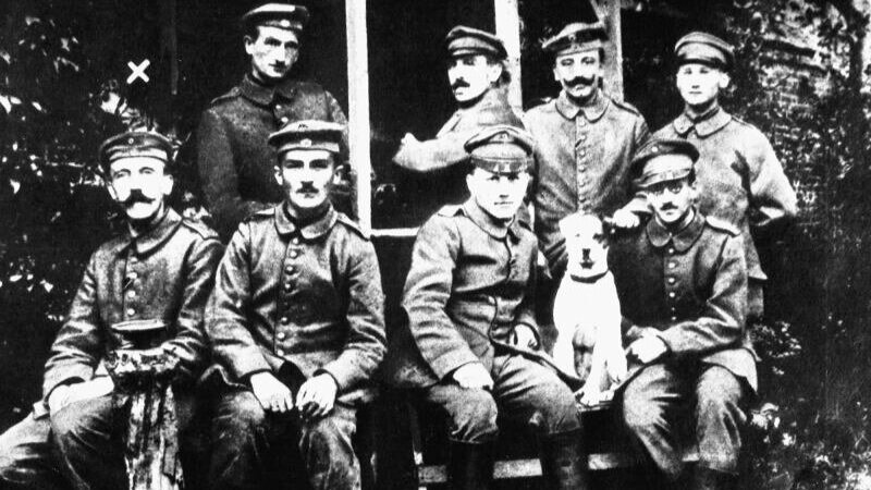Adolf Hitler (front row left) during his stay in a military hospital, 1918.