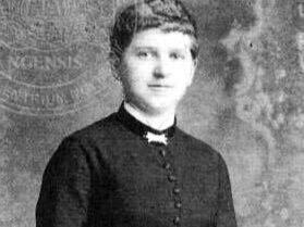 Klara Hitler (née Pölzl; 1860 –  1907)