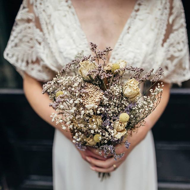 Wedding Bouquet 💒 Hand picked, locally sourced flowers, air dried and beautifully crafted. . . . . . #bridalcrown #weddingcrown #weddingflowers #driedflowers #bohemianwedding #bohobride #driedflowersbouquet #flowercrown #weddingseason #seasonalflowers #weddingideas #bride