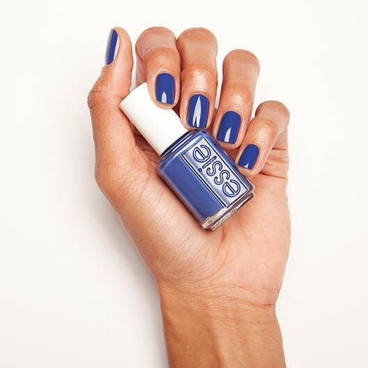 ESSIE-enamel-waterfall-in-love-on-hand-2.jpg